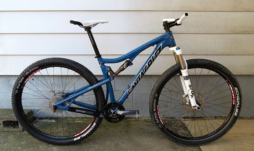 Santa-Cruz-Tallboy-Carbon-Roller-Right
